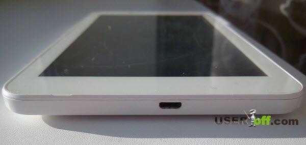 Попробуйте подключить зарядное устройство к планшету и пошевелите кабель